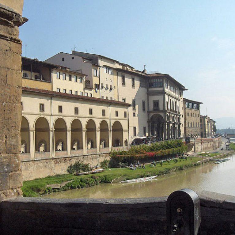 Corridoio vasariano firenze youth hotel firenze 2000 for Soggiorno a firenze economico